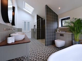 Bathroom Renovation Modern bathroom by Graham D Holland Modern