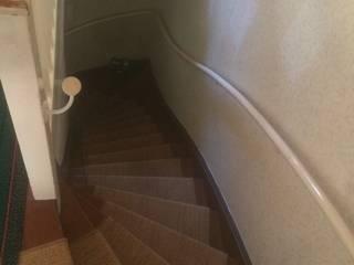 treppe mit Sisalteppich :   von Das  Werkhaus Langerwisch