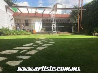 by Artistic de Mexico
