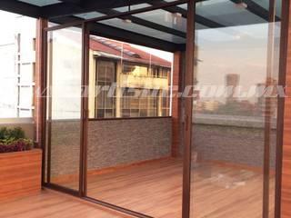Pergolado con cuarto de cristal:  de estilo  por Artistic de Mexico,