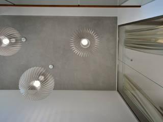 PROJEKT MIESZKANIA TYPU PENTHAUS Nowoczesny salon od Piotr Stolarek Projektowanie Wnętrz Nowoczesny