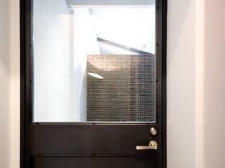 TRANSFORM 株式会社シーエーティ Industrial style doors