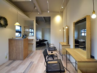Eclectic style offices & stores by TRANSFORM 株式会社シーエーティ Eclectic