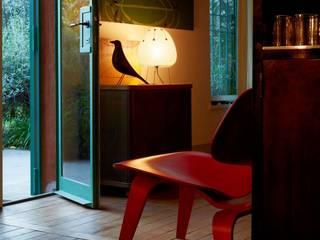 Lampe Akari 1AY d'Isamu Nogushi, chez Vitra:  de style  par Création Contemporaine