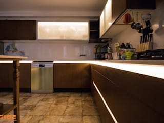 Poise Modular Kitchen de Poise Moderno
