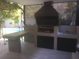 Quincho, Terraza y Piscina por ARQSOL:  de estilo  por Arqsol