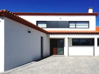 Remodelação Habitação - Barrô Casas modernas por GAAPE - ARQUITECTURA, PLANEAMENTO E ENGENHARIA, LDA Moderno