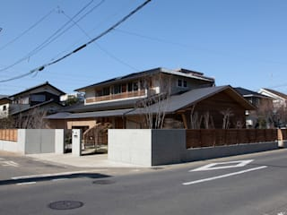Wooden houses by 株式会社高野設計工房,