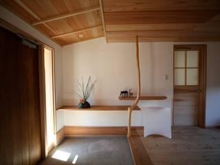 玄関 株式会社高野設計工房 和風の 玄関&廊下&階段 白色