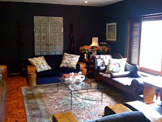 Bachelor's Art Deco Inspired Home: eclectic Living room by CKW Lifestyle