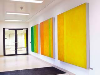 Kunstwerk in Psychiatrie Moderner Flur, Diele & Treppenhaus von Textile Objekte Modern