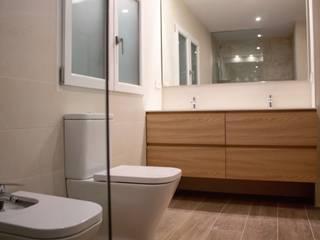 Reforma Baño Baños de estilo moderno de NC INTERIORISMO Moderno