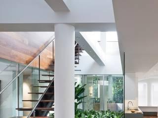 Roof terrace & garden von Ecologic City Garden - Paul Marie Creation Modern