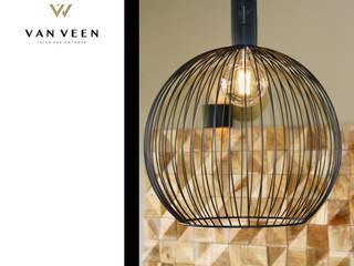 VERLICHTING: moderne Woonkamer door VAN VEEN Interior Design