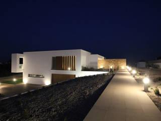 Haciendas de estilo  por SOUSA LOPES, arquitectos, Moderno