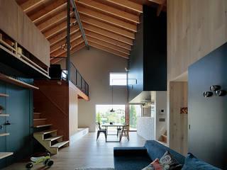 TabHouse インダストリアルデザインの リビング の 稲山貴則 建築設計事務所 インダストリアル 木 木目調