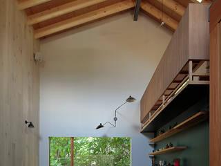 TabHouse: 稲山貴則 建築設計事務所が手掛けたリビングです。,