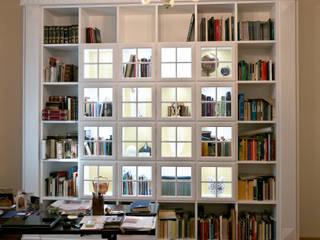 Appartamento a Milano Studio in stile classico di Turati Boiseries Classico