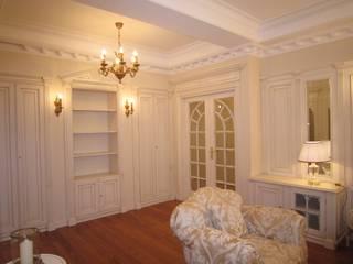 Appartamento a Mosca Soggiorno classico di Turati Boiseries Classico