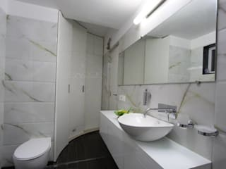 浴室 by SPACCE INTERIORS, 現代風
