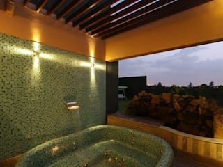 WEEKEND HOUSE,TAPOVAN Classic style bathroom by SPACCE INTERIORS Classic
