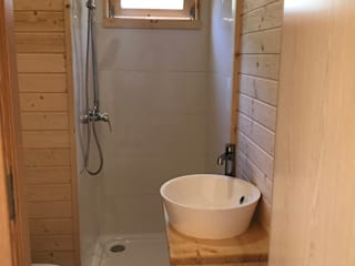 Drevo - Wood Solutions Lda BathroomBathtubs & showers