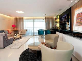 Apartamento em Fortaleza com vista para o mar: Salas de estar  por RI Arquitetura
