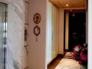 Pasillos y vestíbulos de estilo  por Chaukor Studio, Clásico