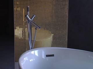 現代浴室設計點子、靈感&圖片 根據 Larcher & Zirngibl Innenarchitekten 現代風