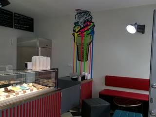 Eisdiele in Berlin:  Ladenflächen von Larcher & Zirngibl Innenarchitekten