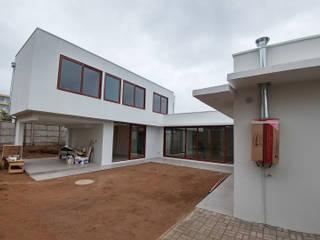 Casa Lomas De Montemar de Lau Arquitectos Moderno