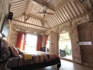 Casas de Madera Importada de Bali:  de estilo  de Ale debali study