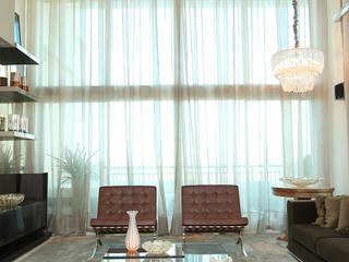 Residência : Salas de estar  por RI Arquitetura