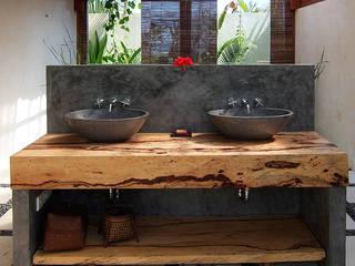 Muebles de baño artesanales importados de Bali:  de estilo  de Ale debali study