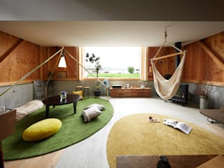 Living room by Takeru Shoji Architects.Co.,Ltd, Eclectic