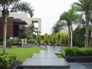 Interior:  Villas by Planet Design and associate
