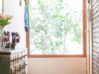 Casa Islas Fidji: Ventanas de madera de estilo  por Arqbau Ltda.
