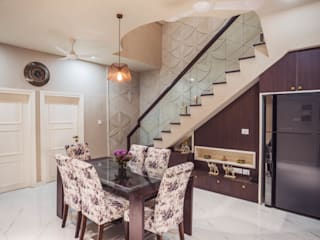"""""""House of Festivities"""" Eclectic style dining room by Nikunj Sharma Design Studio Eclectic"""