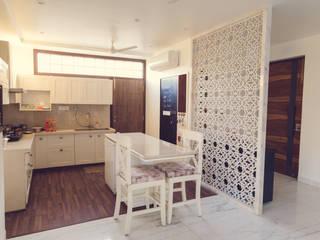 """Singaar"" Minimalist kitchen by Nikunj Sharma Design Studio Minimalist"