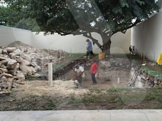 Construcción de piscina en Yucatán: Albercas de jardín de estilo  por Heftye Arquitectura