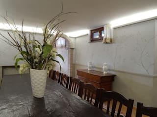 Classic style dining room by Meraki di Irene Mancini Decorazione d'Interni Classic