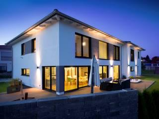 Die neue Offenheit : Große Fenster und Glasfassaden für mehr Licht, Luft und Wärme :  Fenster von Kneer GmbH, Fenster und Türen