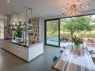 Moderne Küchen von Richèl Lubbers Architecten Modern