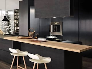 BLACK KITCHEN:  Kitchen units by unlimteddesigns/bansal designs