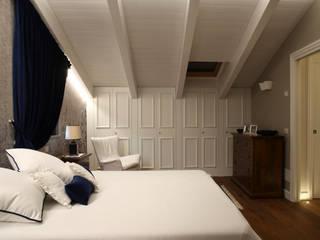 History repeating: Camera da letto in stile  di M&M STUDIO