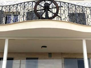 Villa Il timone: Case in stile  di M&M STUDIO