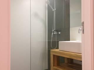 Modern bathroom by CSR - Construção e Reabilitação em Lisboa Modern