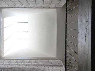 Apaloosa Estudio de Arquitectura y Diseño의  지붕, 인더스트리얼