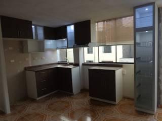 MARSHEL DUART SRL クラシックデザインの キッチン