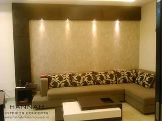2bhk Kolkata Minimalist living room by HANNAH INTERIOR CONCEPTS Minimalist